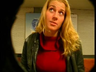 Blonde deutsche mit dicken Titten besorgt es sich selbst und am Ende mit einer Fllasche
